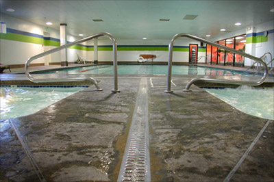 gyms with pools
